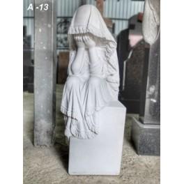 Скорбящий ангел (высота 102 см)