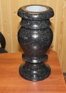 Ваза из черного гранита Н-30 см