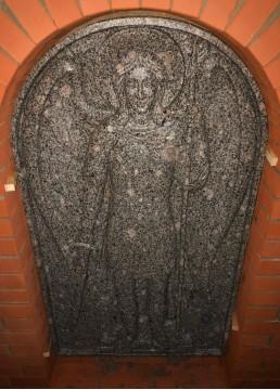 Барельеф из гранита в храм. Изображение лика святого Гавриила